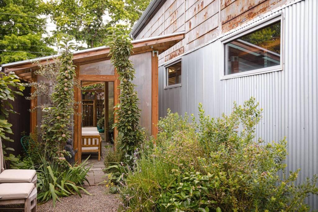 3 Tree Tech Courtyard