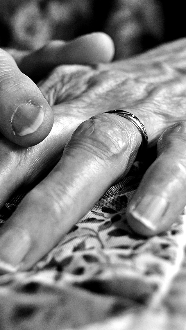 Old Hands 3Wallpapers iPhone 5 Old Hands