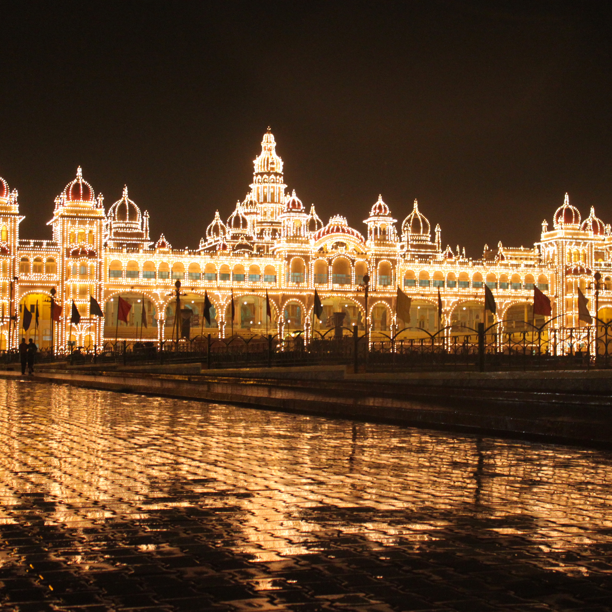 Mysore Palace 3Wallpapers iPad Retina Mysore Palace   iPad Retina