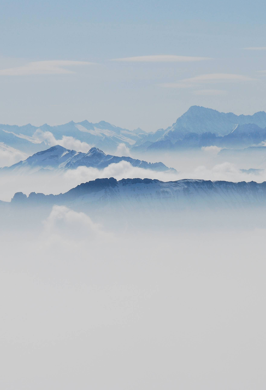 Montains Fog 3Wallpapers iphone Paralalx Mountains Fog