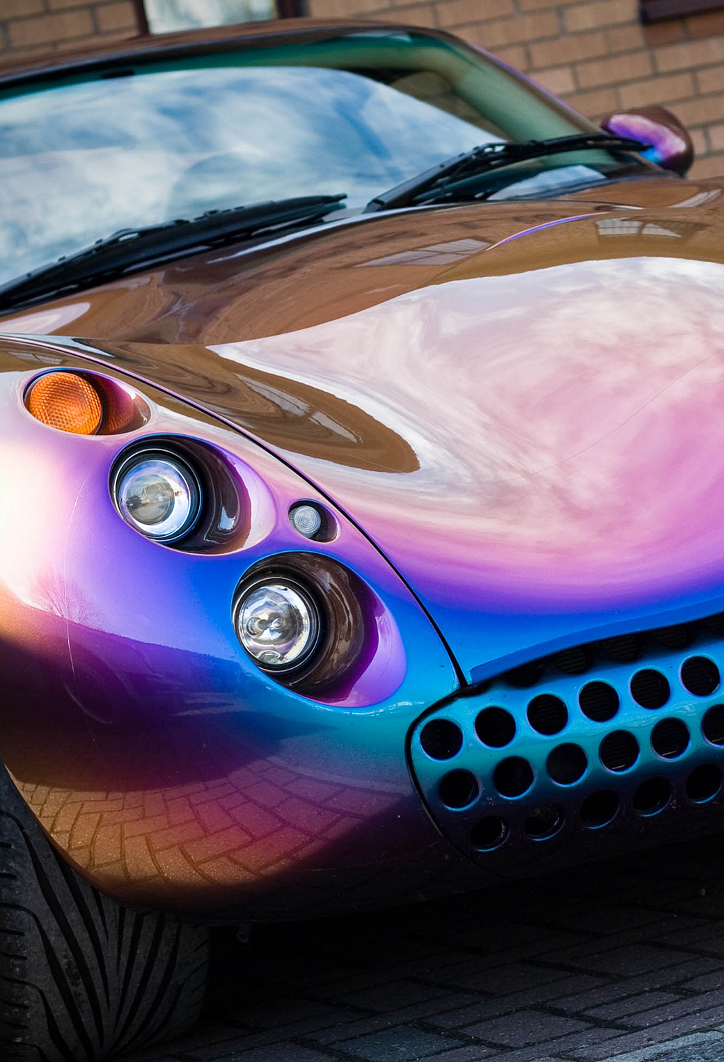 TVR 3Wallpapers iPhone Parallax TVR
