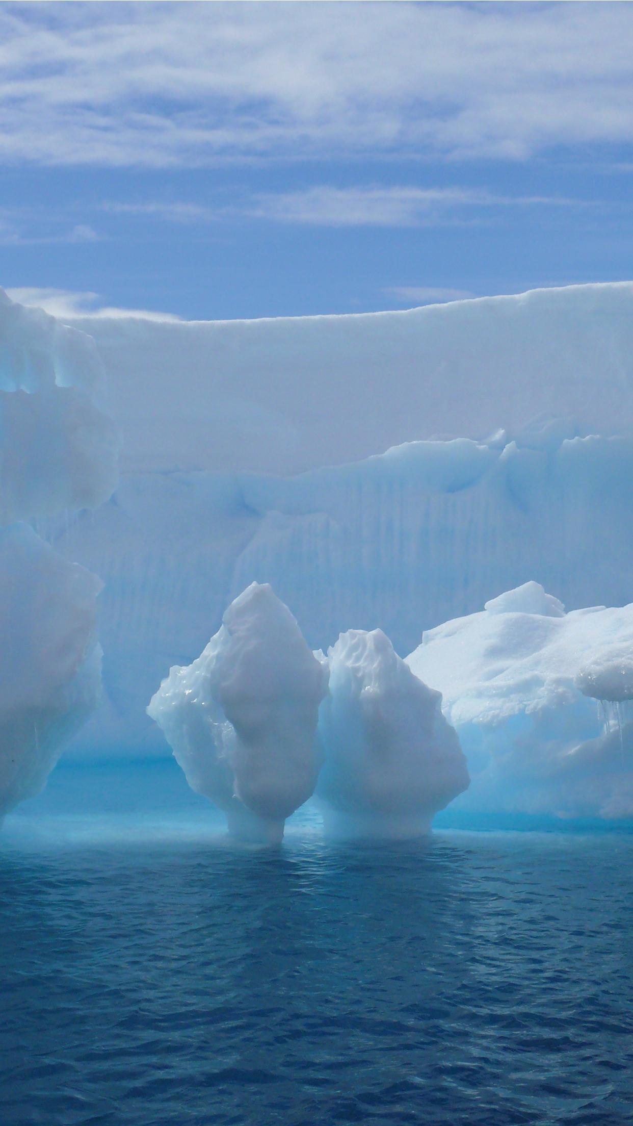 Iceberg iPhone Parallax 3Wallpapers Iceberg