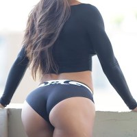 Michelle Lewin : Ass