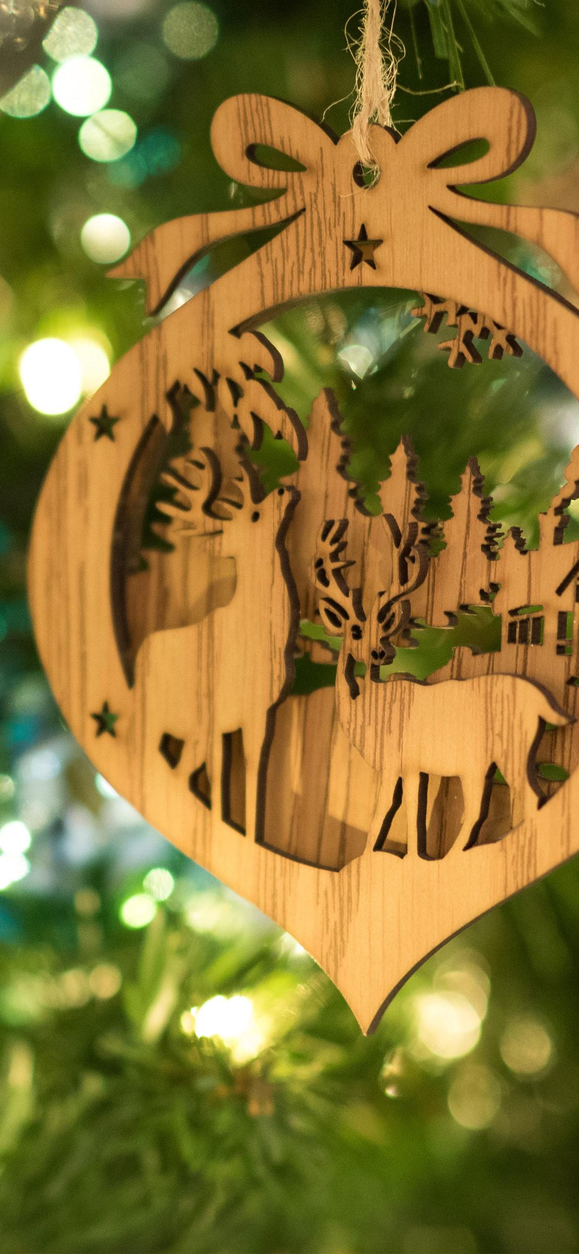 iphone wallpapers reindeer3 scaled Reindeer
