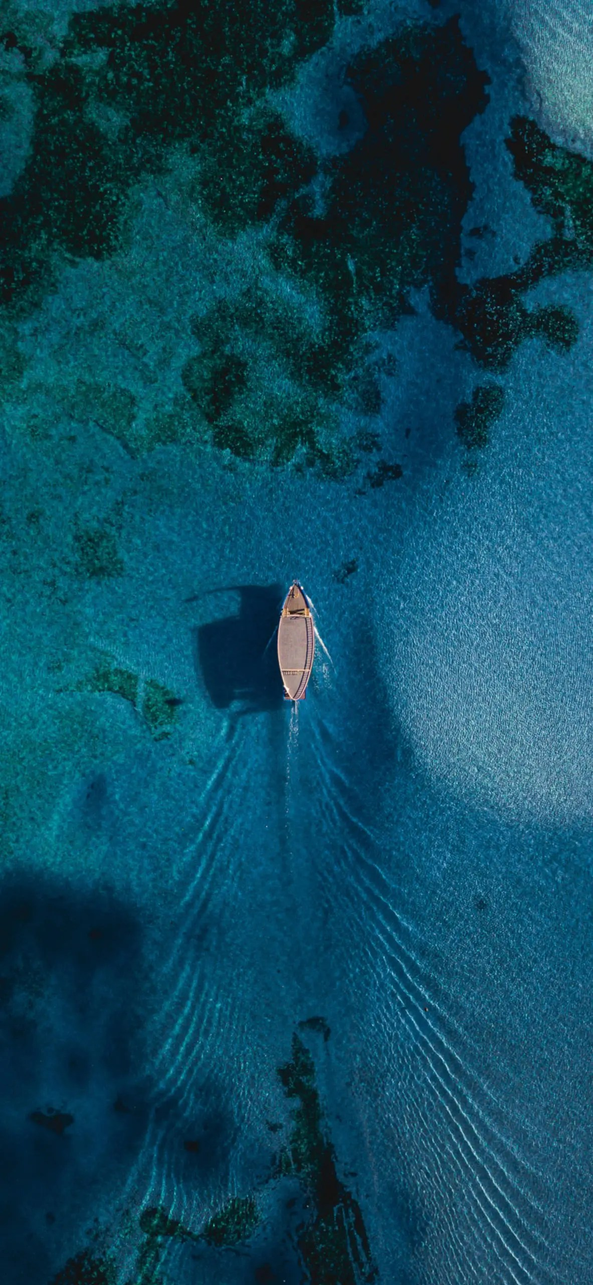 iPhone wallpapers sea ship midle Boats