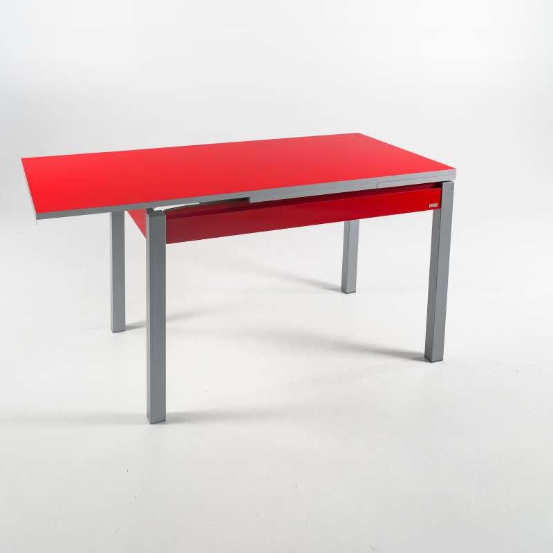 table de cuisine avec tiroir
