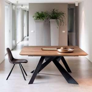 table design carree en bois massif avec pieds en metal finition industrielle toledo