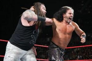 Elimination Chamber 2018 - Matt Hardy vs Bray Wyatt