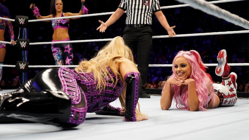 WWE Evolution (2018) - Sasha Banks, Bayley & Natalya vs. The Riott Squad