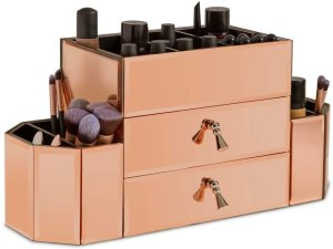 Organize makeup with this beautiful rose gold set.