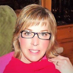 Susie Truett 40andholding Beauty Blog