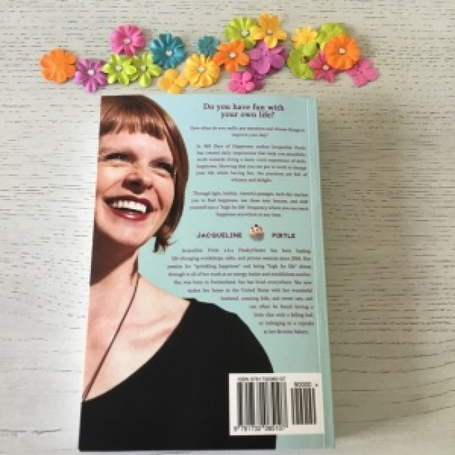 """365 jours de bonheur par Jacqueline Pirtle """"width ="""" 650 """"height ="""" 650 """"srcset ="""" https://i2.wp.com/www.40andholding.com/wp-content/uploads/2019/03/IMG_4839-e15540683584244 .jpg? resize = 300% 2C300 & ssl = 1 300w, https://i2.wp.com/www.40andholding.com/wp-content/uploads/2019/03/IMG_4839-e1554068358424.jpg?resize=150%2C150&ssl= 1 150w, https://i2.wp.com/www.40andholding.com/wp-content/uploads/2019/03/IMG_4839-e1554068358424.jpg?resize=768%2C768&ssl=1 768w, https: // i2. wp.com/www.40andholding.com/wp-content/uploads/2019/03/IMG_4839-e1554068358424.jpg?resize=1024%2C1024&ssl=1 1024w, https://i2.wp.com/www.40andholding.com /wp-content/uploads/2019/03/IMG_4839-e1554068358424.jpg?w=2000&ssl=1 2000w """"values ="""" (max-width: 650px) 100vw, 650px """"data-recalc-dims ="""" 1"""