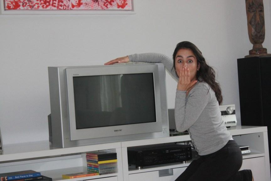 Wie heeft er nog een oeroude TV? Euh...wij dus!