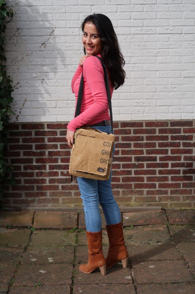 Upcyclen in plaats van recyclen, meet my new bag