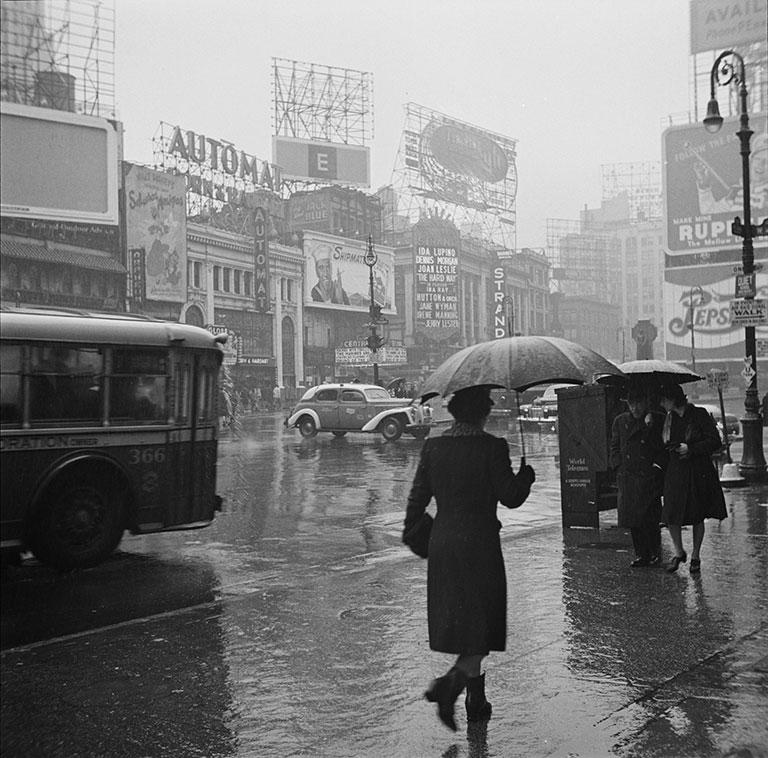 Printed Vintage Photograph Rainy Day New York City 40