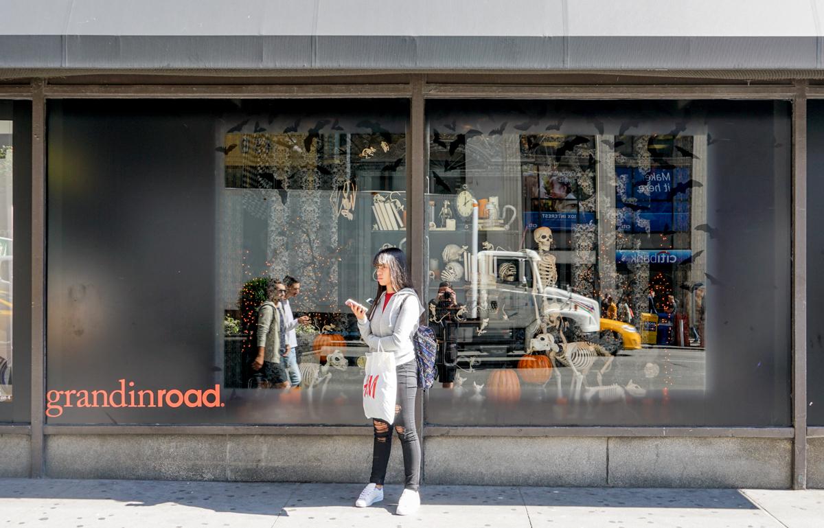 pop-up shop signage store windows Macys graphics visuals design Grandin Road