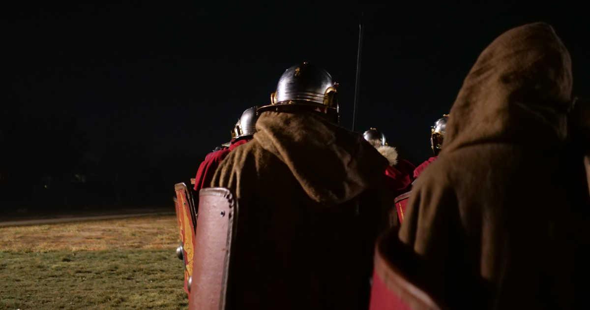Giulio Cesare arriva sulle rive del Rubicone