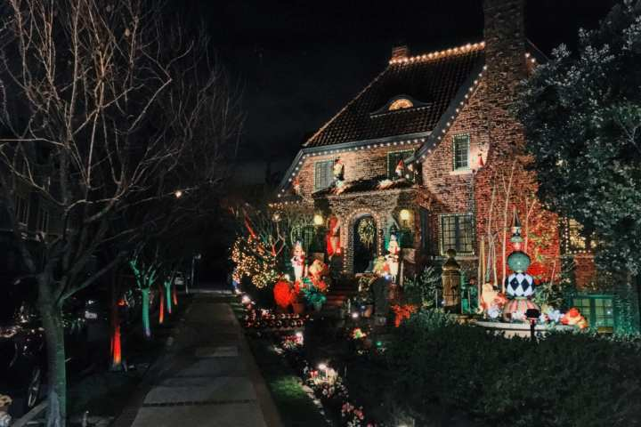 Le Petit Chateau des Cavaliers never disappoints at Christmas with its display of classic scenes, music, and animatronics. Located at 45 Upper Terrace in San Francisco's Buena Vista Heights neighborhood. Photo: Kyle Legg, 49Miles.com.