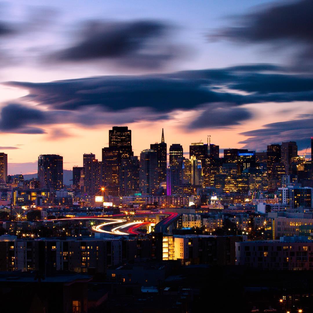 Dark clouds over the city. Photo: oplattner.