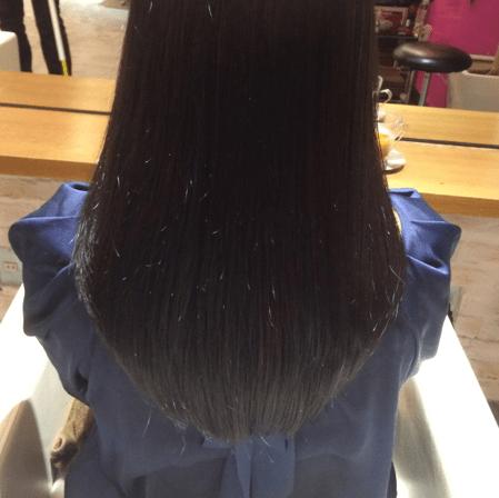 市販の黒染めカラーを多用する危険性とヘアーブリーチのリスク!美容院からの提案