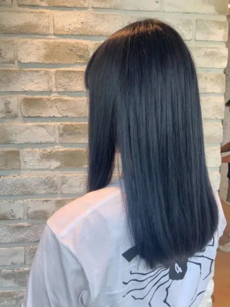 ストレートヘアをキープ!縮毛矯正を長持ちさせるヘアケア方法を美容師が紹介