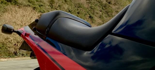 ヤフオク!でGPZ900Rの純正シートを手に入れる