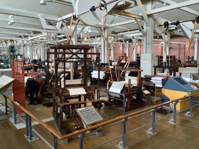 織機の進化の過程 | トヨタ産業技術記念館