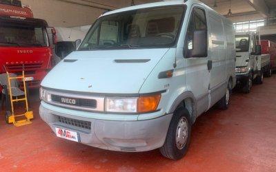 Iveco daily furgone passo corto