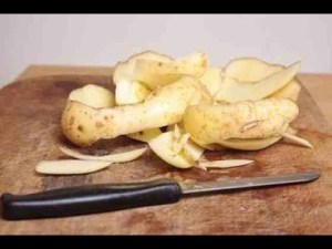 فوائدلا تتوقعيها لقشر البطاطس