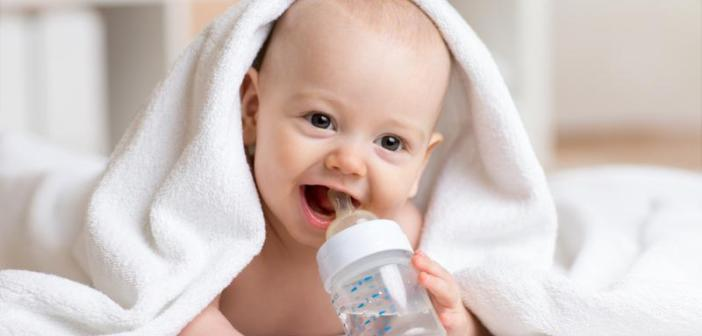 التوجيهات الهامة حول إعطاء الماء للرضع خلال السنة الأولى من العمر للدكتورة ماجدة مطيع