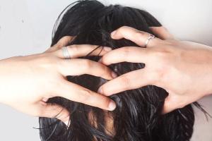 علاجات مدهشة وفعالة لتساقط الشعر الجاف