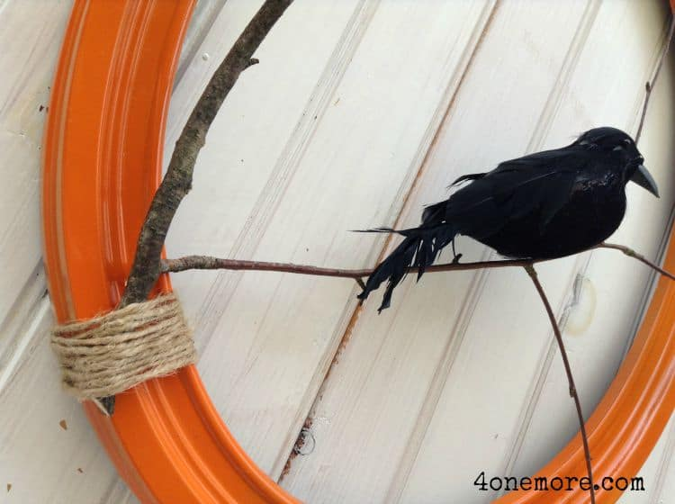 Nevermore Fall Raven Wreath Tutuorial @4onemore.com