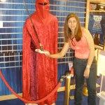 Eu com o boneco vermelho do Star Wars, não sei o nome de todos...risos