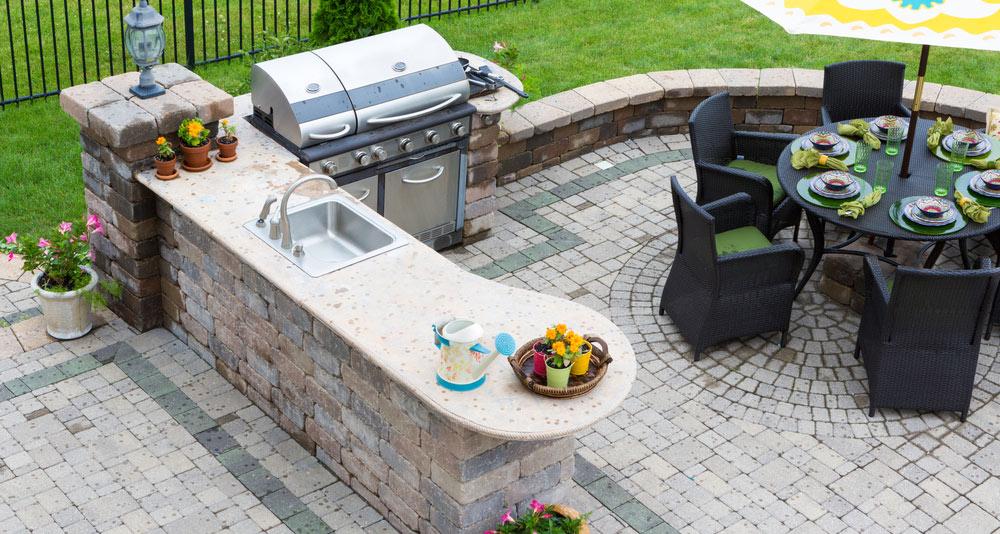 Outdoorküche Garten Edelstahl Anleitung : Sommer sonne bbq einrichten einer outdoorküche qua