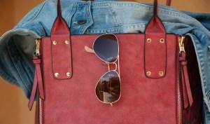 Eine coole rote Handtasche