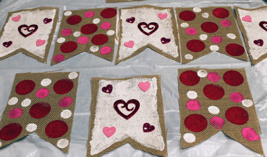 LOVE This! DIY Valentine's Day Burlap Banner