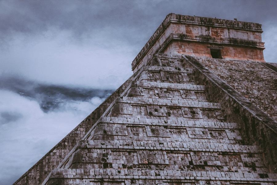 Los mayas nos enseñaron el camino hacia el desarrollo pero no lo seguimos