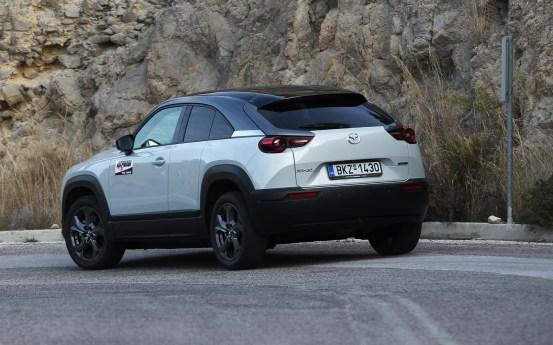 Δοκιμάζουμε το ηλεκτρικό Mazda MX-30