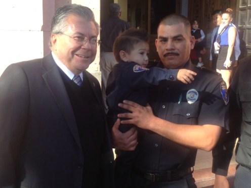 ALCALDE MEXICALI POLICIA E HIJO