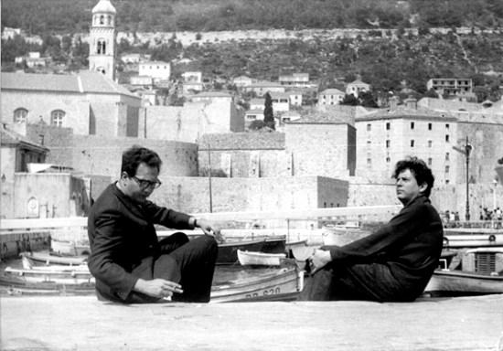 Sergio Pitol y Juan Manuel Torres, imagen tomada del archivo de Sergio Pitol, Almacén del quincenario cultural Performance, dirigido por José Homero.