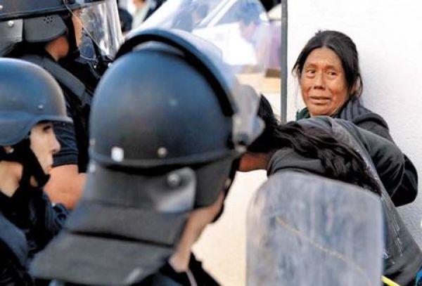Se atiende a indígenas indefensos ante el abuso de policías y autoridades (Foto: internet)