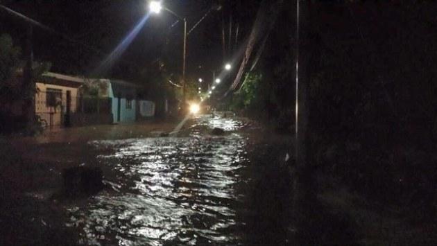 RIO DESBORDADO NOCHE
