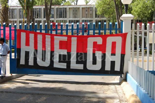 HUELGA BANDERA ROJINEGRA