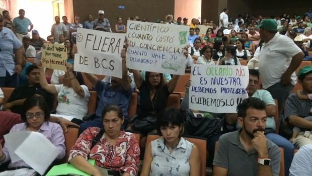 El repudio al proyecto minero subterráneo en la Reunión Pública Informativa (Foto: Sdp Noticias)