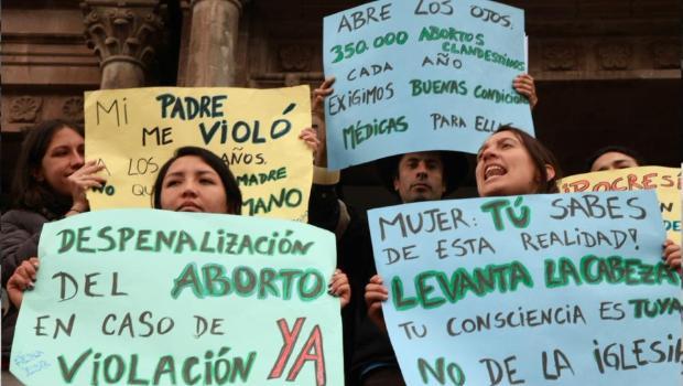 EMBARAZO POR ABORTONO  PROTESTA