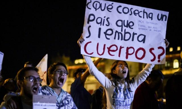PROTESTA JOVENES SIEMBRA CUERPOS