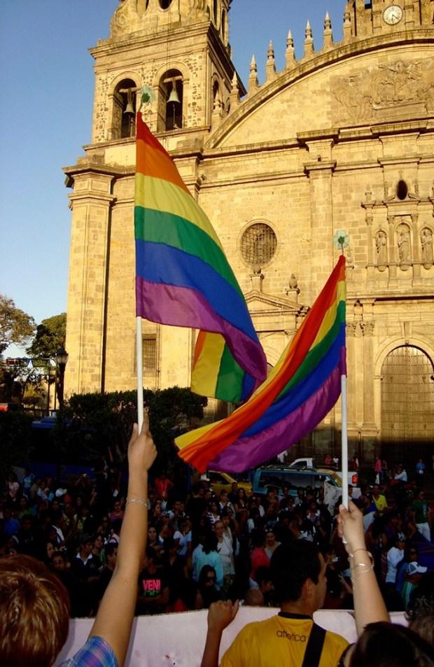 HOMOSEXUALES JALISCO MANIFESTACION