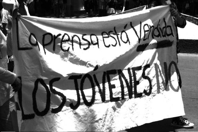 PRENSA VENDIDA Y JOVENES