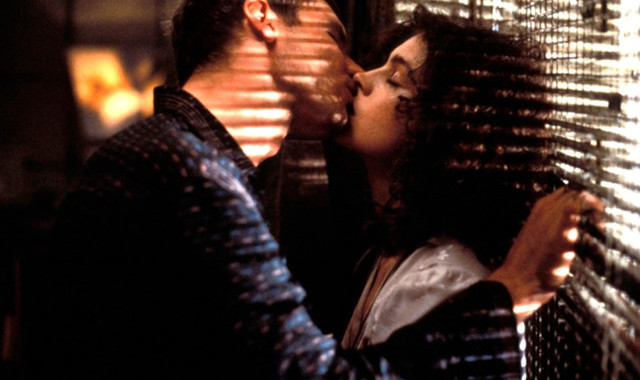 blade-runner-escena-beso-androide
