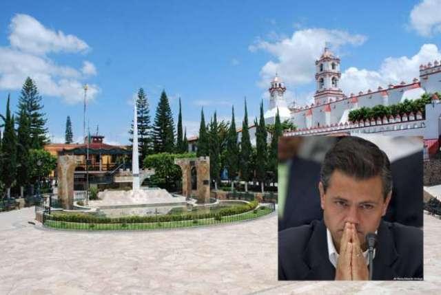 El presidente Enrique Peña Nieto y el ahora secretario de Desarrollo Social, Luis Enrique Miranda Nava tienen sus mansiones